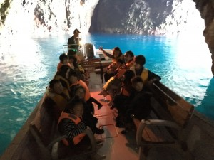 青の洞窟!北海道小樽発グラスボートで行く秘境クルーズ